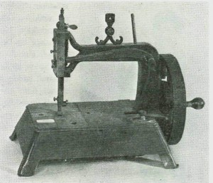 Flinke  håndverkere  fant  alltids  et  brukbart  utkomme.   Denne  heimelaga  kopien av en «grover-backer» er nå i museet. Foto Garberg.