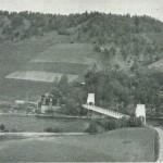 Flora 1937. Handelsforeninga t.v. for brua. Foto: Garberg.