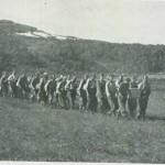 Ned etler manngarden i fjellet. Leder S. Hårstad.