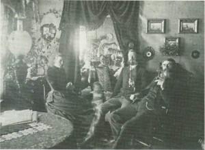 Fra Havernesset. Tvara og Paul Birch og lensmann Sandberg (t.h.).