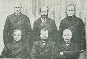 Styret i Vighvervets forening 1903. 1. rekke f.v.: Ole J. Slind, John Eggen, Ingebr. Sesseng. 2. rekke: John Aftreth, Peder Overvik, Arnt Slind.