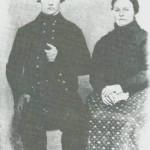 Jon og Ane som i 1867 kjøpte Siran. De losjerte på heimgarden hans, Kjelstad, fra de giftet seg og til de flyttet hii.