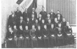 U.L. Dalrosa samlet til 17.mai-feiring en gang i 1930-åra.