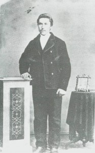 Peder Emstad i smedlære ca. 1880.