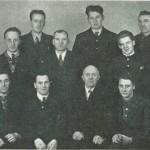 Jøssingtroppen. F.v. foran: B. Flønes, M. Kulsetb, M. Haave, E. Morset, T. Nervik. Bak: P. A. Kjøsnes, O. Kulset Einan, S. Kulset, J. Berge, J. O. Kulsetb, O. Hårstad, O. E.  Kulseth, G. Morset.