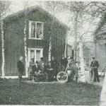 Sykkelturts ter og selbygger ved Marienborg 1901.