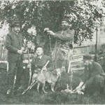 De kondisjonertes jakt. F.v. dr. Conradi, Paul Birch, lensmann Sandberg og ing. Alstad. Foto E. Jenssen.