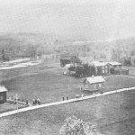 Enan var en sentral plass den tid det var garverivlrksomhet her. Dette bildet er fra 2.7.1906, tatt under bryllupet til Brynhild Elnan og Mikal Kulset.