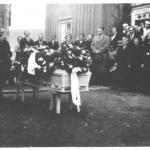 Gravferd etter Johanna Mogård i 1938 på Kammen med Ingebrigt Tronsetås som uttakker.