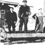 Mekk-kjøringpå Midtimoen 9. april 1940. Fra venstre Sivert Råen Slind, Arnt Slind, Ole A. Slind, Arnt O. Slind.